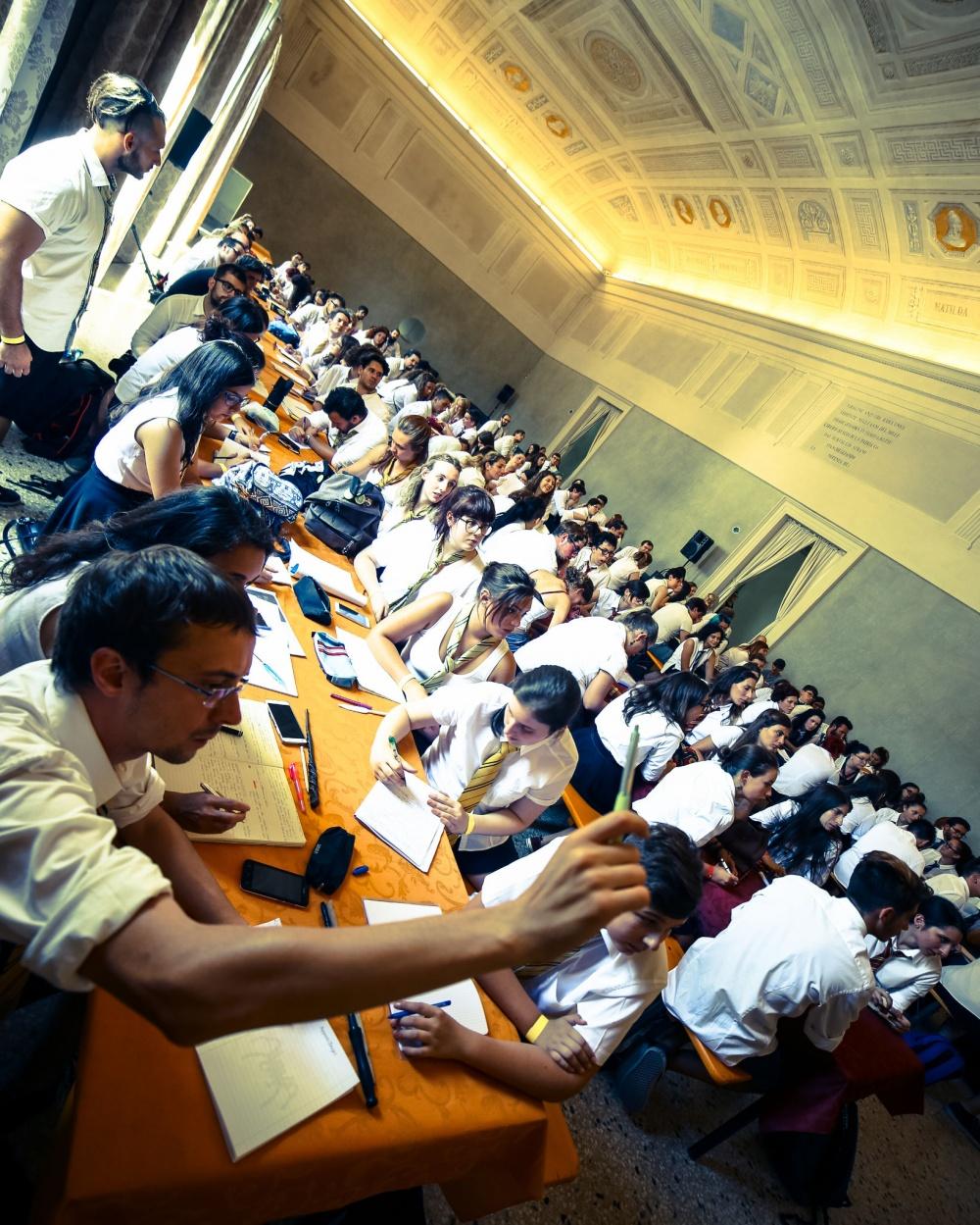Gli studenti dell'Accademia durante una lezione