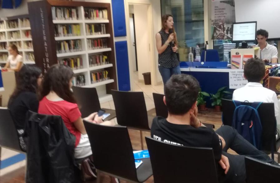 Elena Albicocchi presenta il suo saggio Pregiudizio e Diversità